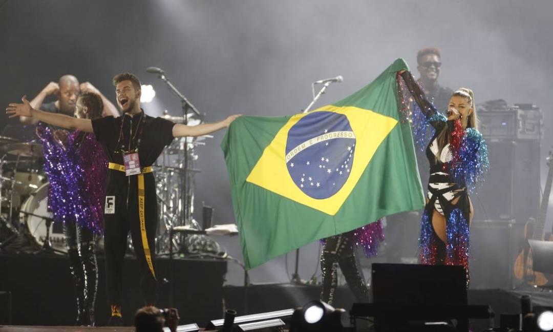 x71695105_EC-Rio-de-Janeiro-RJ-16-09-2017-Rock-in-Rio-2017-FERGIE-se-apresenta-no-palco-mundo-.-Foto.jpg.pagespeed.ic.In-aHfS_ht